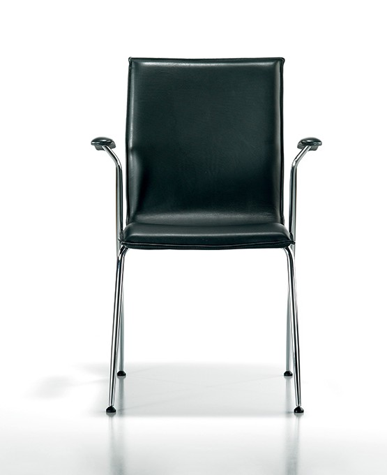 tonica_0001_Tonica-armchair-1_m_skygge_LK