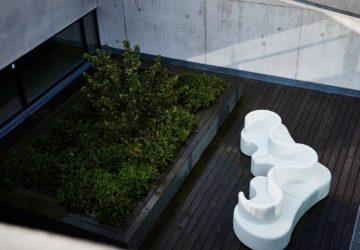 CLOVERLEAF-IN-AND-OUTDOOR-BY-VERPAN-AND-DESIGNED-BY-VERNER-PANTON